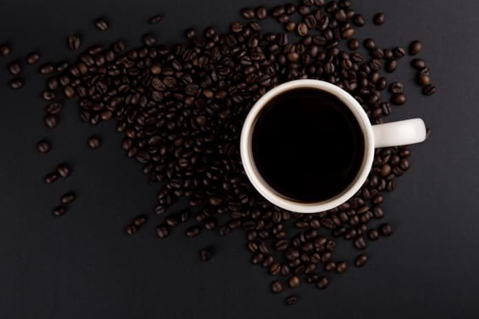 How does decaf coffee reduce the risk of diabetes?