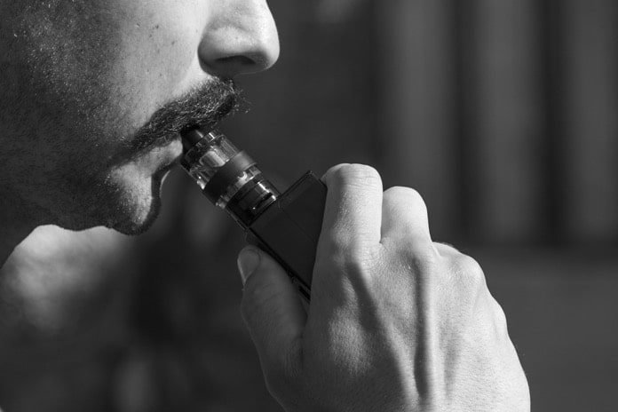 effects of vaping on lungs